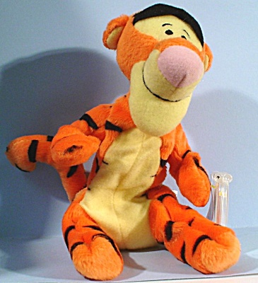 Mattel 1998 Tigger from Winnie the Pooh (Image1)