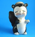 Click here to enlarge image and see more about item a05697: Lefton Ceramic Skunk
