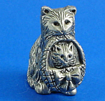 Click here to enlarge image and see more about item a05959m: CAT Designs Miniature Pewter Cat with Kitten