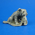 Click here to enlarge image and see more about item a05980m: CAT Designs Miniature Pewter Bulldog