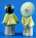 Click to view larger image of Ceramic Arts Studio Oriental Kissing Kids S/P Set (Image2)