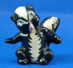 Click here to enlarge image and see more about item a06352: Ceramic Arts Studio Small Skunk