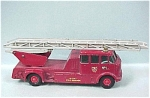 Click here to enlarge image and see more about item d00319: Matchbox King K-15 Merryweather Fire Engine