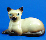 Click here to enlarge image and see more about item h01186: Hagen-Renaker Miniature Lying Siamese