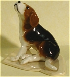 Click here to enlarge image and see more about item h01855: Hagen-Renaker Specialty Beagle