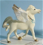 Click here to enlarge image and see more about item h01877: Hagen-Renaker Miniature Walking Pegasus