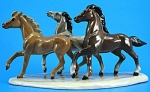 Click here to enlarge image and see more about item h02203: Hagen-Renaker Specialty Wild Horses on Base