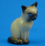 Click here to enlarge image and see more about item h02224: Hagen-Renaker Miniature Early Sitting Siamese Cat