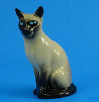 Click here to enlarge image and see more about item h02232: Hagen-Renaker Miniature Sitting Siamese Cat