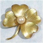 Click here to enlarge image and see more about item j00639: Wells 4 Leaf Clover with Pearl Pin