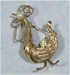 Click here to enlarge image and see more about item j00809: Wells Rooster Pin