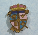 Click here to enlarge image and see more about item j00997: Facile ALII Crest Lapel Pin
