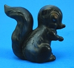 Click here to enlarge image and see more about item jo00151: Josef Original Miniature Skunk