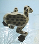 Click here to enlarge image and see more about item n00357: K3171c Climbing Frog
