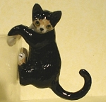 Click here to enlarge image and see more about item n00522: K2291b Black and White Hanging cat