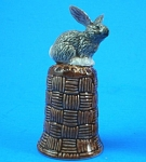 Click here to enlarge image and see more about item n01117: K4131 Grey Rabbit on Basket Thimble