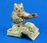 Click here to enlarge image and see more about item n01214: Klima K482 Owl on Antique Style Book