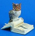 Click here to enlarge image and see more about item n01217: K482 Owl on Antique Style Book