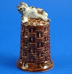 Click here to enlarge image and see more about item n01297: K4161 Cat on Basket Thimble