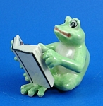 Click here to enlarge image and see more about item n01315: K888 Frog with Book