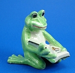 Click here to enlarge image and see more about item n01316: K888 Frog with Book
