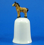 Click here to enlarge image and see more about item n01569: K282 Tiny Horse on Thimble