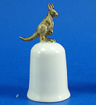 Click here to enlarge image and see more about item n01571: K496 Kangaroo on Thimble