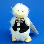 Click here to enlarge image and see more about item n01802: Miniature Plush White Duck