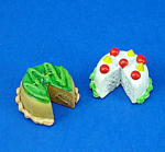 Click here to enlarge image and see more about item n01875: Dollhouse Miniature Cake Pair