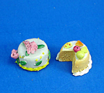 Click here to enlarge image and see more about item n01878: Dollhouse Miniature Cake Pair