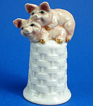 K476 Piglets on Basket Thimble
