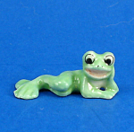 Click here to enlarge image and see more about item n02374: K999 Tiny Lying Frog