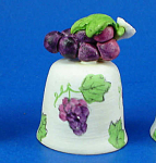 Click here to enlarge image and see more about item n02632: Handpainted Ceramic Thimble - Grapes