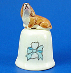 Click here to enlarge image and see more about item n02642: Handpainted Ceramic Thimble - Bassett Hound
