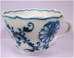 Click here to enlarge image and see more about item pt00566: Meissen Blue Onion Cup