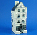 Click here to enlarge image and see more about item pt01099: Bols KLM Delft Miniature Building Decanter