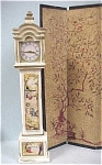 Click here to enlarge image and see more about item t00638: 1964 Ideal Petite Princess Clock & Screen