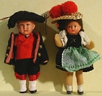 Click here to enlarge image and see more about item t01376: 1940s/1950s Miniature Rubber Doll Pair