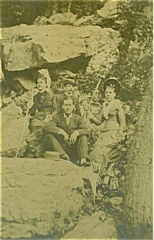ANTIQUE PHOTO – WEST VIRGINIA ROCK CLIMBERS. (Image1)