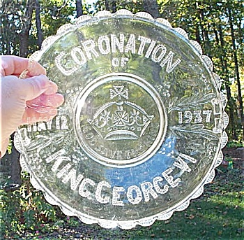 1937 GEORGE VI Glass Coronation Plate. (Image1)
