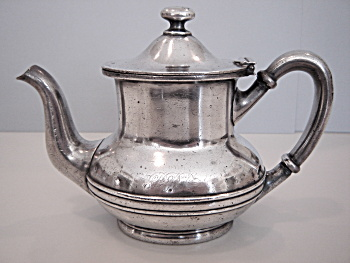 Pennsylvania Railroad Tea Pot C.1900 script PRR  (Image1)
