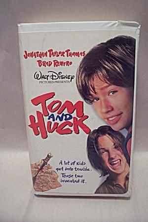 Tom And Huck (Image1)