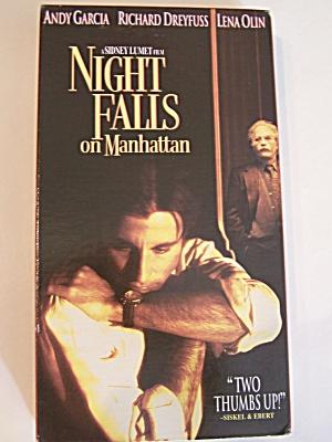 Night Falls On Manhattan (Image1)