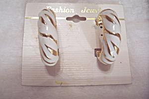 White Enamel & Goldtone Stud Earrings (Image1)