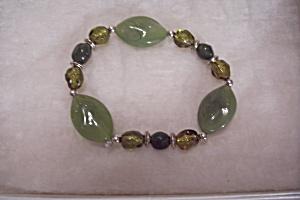 Green Jade Bead Stretch Bracelet (Image1)