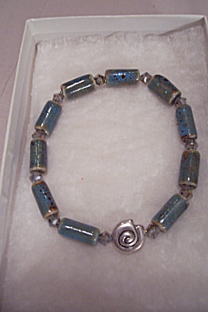 Porcelain Bead Stretch Bracelet (Image1)