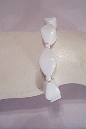 White Diamond Shaped Bead Stretch Bracelet (Image1)
