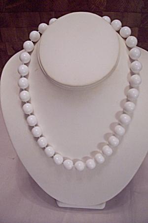 White Bead Choker Necklace (Image1)
