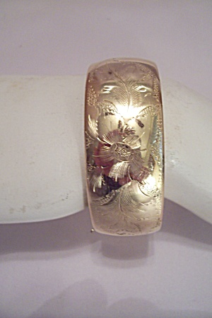 Gold Plated Hinged Flower Decorated Bracelet (Image1)