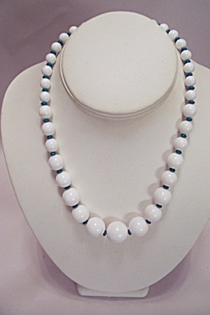 White Bead Necklace (Image1)